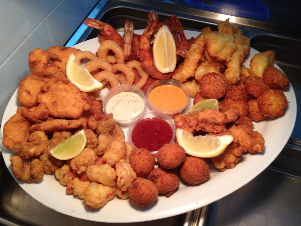 Bird's Fish Bar at Bowen Fisherman's Seafood Co
